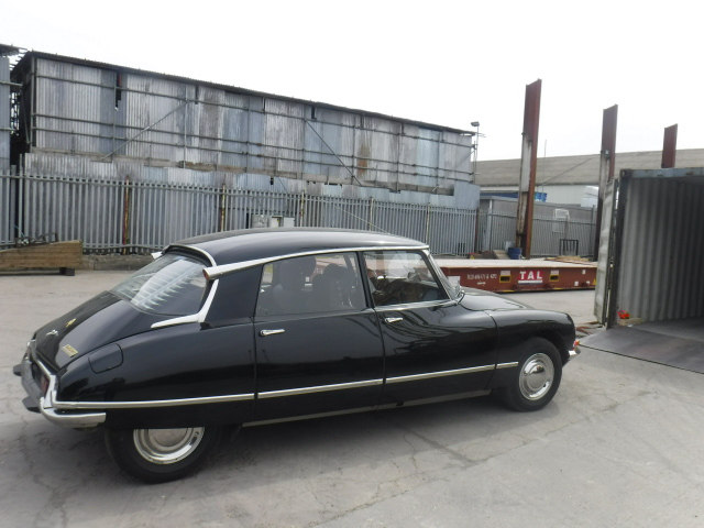 1970 Citroen DS21 being loaded into a container by Autoshippers