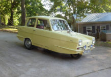 Reliant Regal - Classic Car Shipping from the UK - Autoshippers