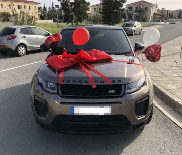 Land Rover Evoque shipped as a birthday present by Autoshippers. VAT Qualifiying Vehicles, Personal Export Scheme and how to ship your car overseas