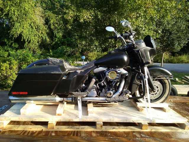Harley Davidson FLHTC shipped to FL, USA